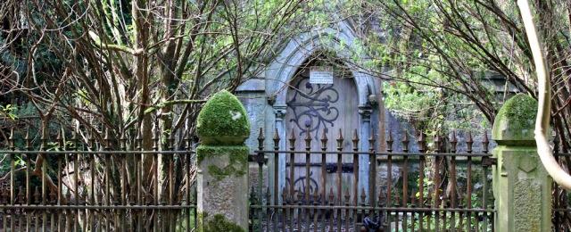 09 Mausoleum, Vaynol Wood, Ruth's coastal walk, Bangor