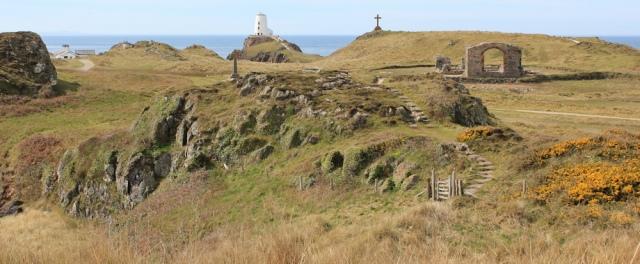 10 Ynys Llanddwyn, Ruth on the coast, Anglesey