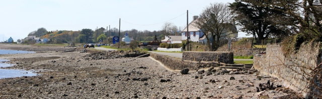 18 towards Mermaid Inn, Ruth coastal walking, Anglesey