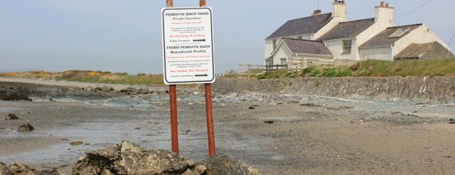 a09 private foreshore sign, Penrhyn bach, Ruth's coastal hike, Anglesey