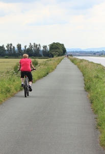 19 lone cyclist, Ruth Livingstone walking up the River Dee