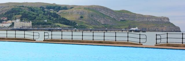 a01 Llandudno, paddling pool, Ruth Livingstone