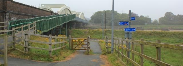 03 Hawarden bridge, Ruth walking the coast River Dee