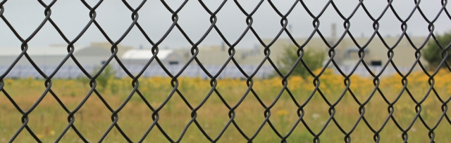 05 fencing, Ruth's coastal walk to Neston