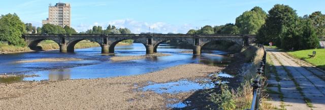 03-skerton-bridge-ruth-walking-through-lancaster