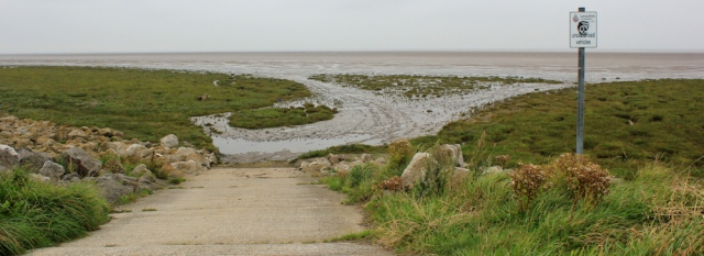 04-marsh-walking-the-english-coast-ruth