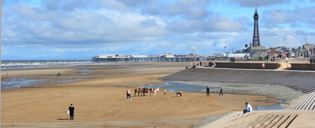 05-blackpool-golden-mile-ruths-coastal-walk
