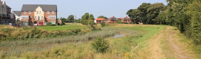07-modern-housing-lytham-ruth-hiking-the-coastal-way