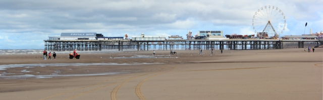 08-middle-pier-blackpool-ruths-coastal-walk