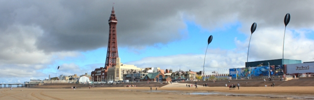11-blackpool-tower-ruths-coastal-walk