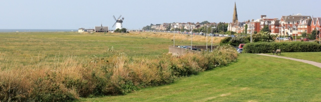 11-windmill-at-lytham-st-annes-ruths-coastal-walk