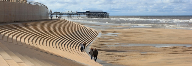 12-incoming-tide-blackpool-ruth-livingstone