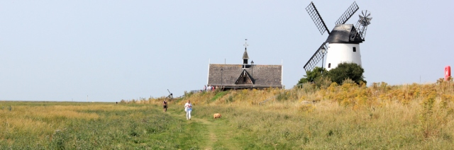 12-walking-through-lytham-st-annes-ruth-livingstone