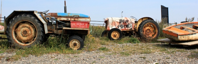 15-old-tractors-ruth-hiking-through-lytham-st-annes