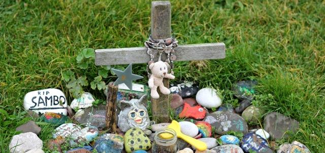 15-sambo-grave-tributes-ruth-livingstone