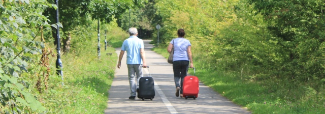 18-luggage-carriers-ruth-hiking-in-lancaster