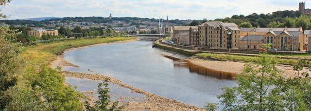 19-crossing-the-carlisle-bridge-ruth-hiking-in-lancaster