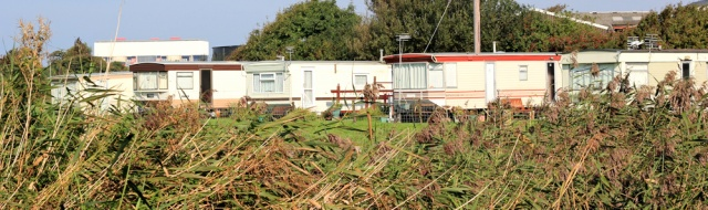 04-caravan-sites-ruth-hiking-the-coast-of-lancashire