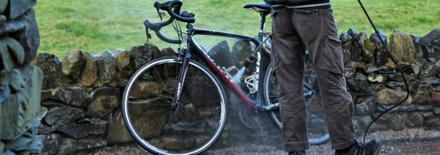 06-pressure-hosing-a-bike-ruth-livingstone