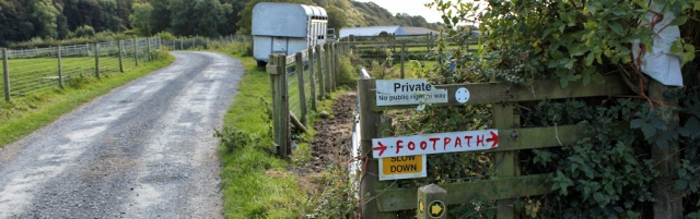 10-private-signs-ruths-coastal-walk-towards-humphrey-head