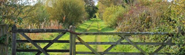 16-old-train-line-ruths-coastal-walk-cumbria