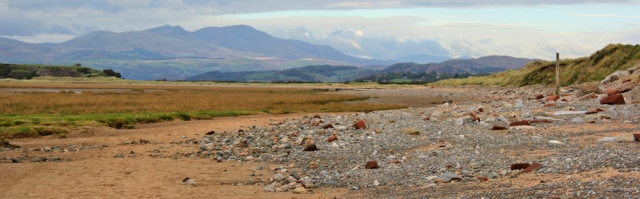 25-walking-up-the-duddon-estuary-ruth-livingstone-walking-the-english-coast