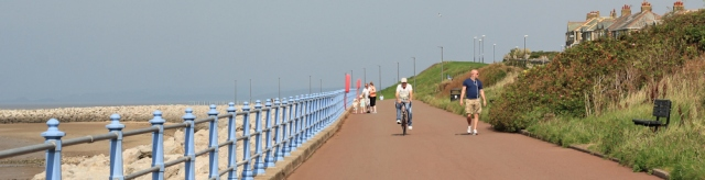 b02-long-promenade-sunny-slopes-south-ruth-walking-the-english-coast