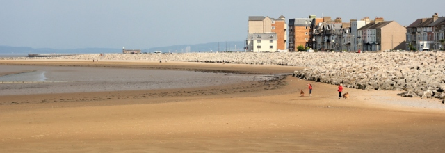 b03-approaching-morecambe-ruth-walking-the-english-coast