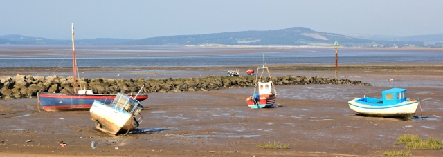 b19-fishing-boats-morecambe-bay-ruth-walking-the-english-coast