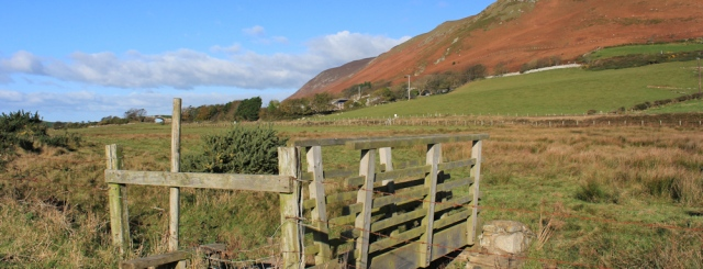 10-footpath-across-silecroft-beck-ruth-livingstone-hiking-in-cumbria