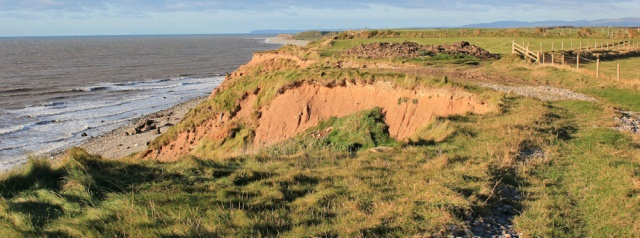 25-coastal-erosion-annaside-banks-ruth-livingstone-hiking-the-coast-in-cumbria