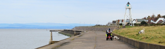 04-cote-lighthouse-silloth-ruth-walking-the-english-coast-cumbria