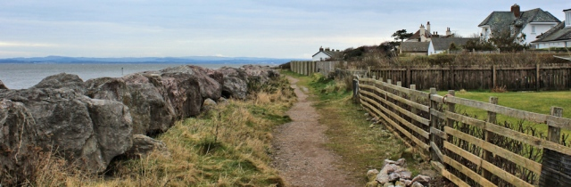 06-footpath-along-skinburnessbank-ruth-walking-the-english-coast-cumbria