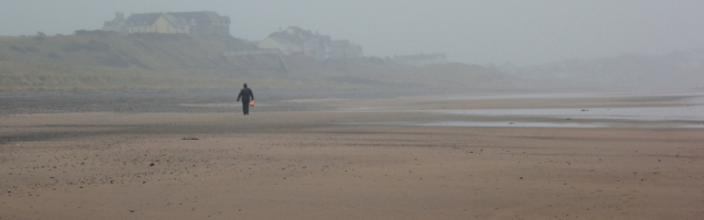 23-more-misty-beach-ruth-liivngstone-looking-back-to-seascale