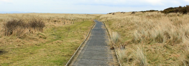 23-walkway-through-dunes-mawbray-bank-ruth-hiking-in-cumbria