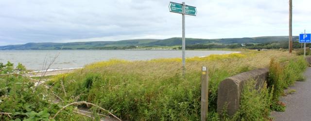 03 Mull of Galloway coastal path, Ruth hiking in Scotland, Loch Ryan