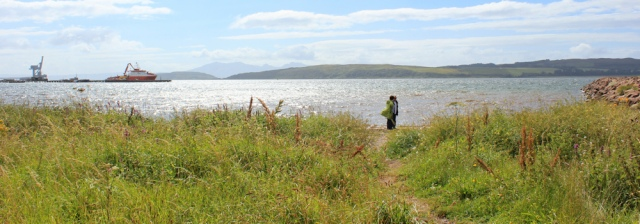 02 shore at Kelburnfoot, Fairlee, Ruth walking the Ayrshire Coastal Path, Scotland