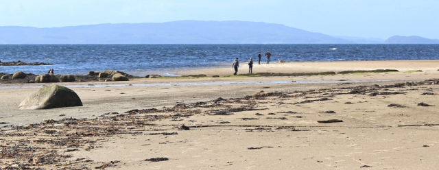 24 people on beach, Ruth walking the Arran coast to Lagg