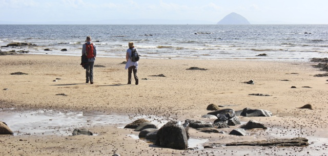 25 hikers on the beach, Arran Coastal Way, Ruth hiking in Scotland