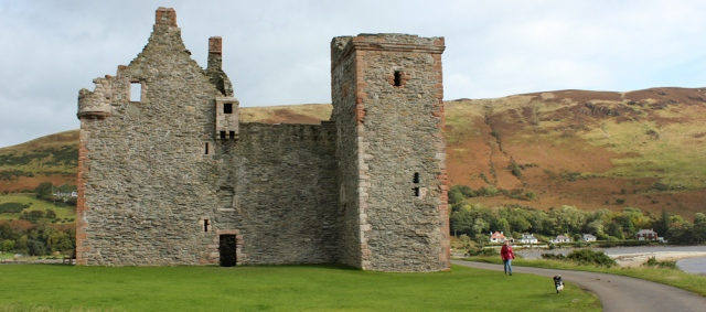 02 Lochranza castle, Ruth's coastal walk around Arran, Scotland