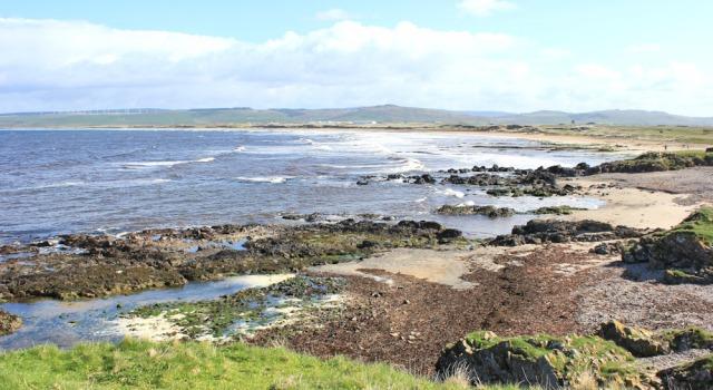 02 Machrihanish Bay, Ruth hiking the coast, Mull of Kintyre