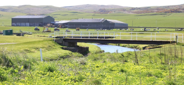 05 bridge across Machrihanish Water, Ruth Livingstone hiking in Scotland, Kintyre