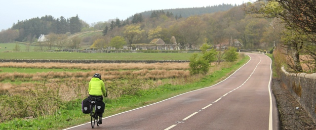 18 touring cyclists, Ruth's coastal walk, Kintyre, Scotland