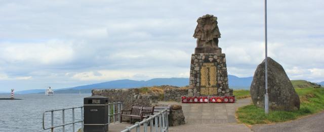 14 war memorial, Oban, Ruth walking the coast of Scotland