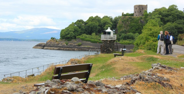 15 castle and lighthouse, Oban,