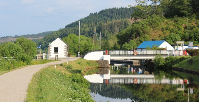 45 Ruth hiking the Crinan Canal, Bellaloch, Argyll, Scotland