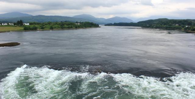 05 falls of Lora and Loch Etive, Ruth hiking the Scottish coastline