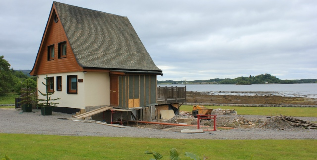 26 new buildings on the coast, Appin, Ruth hiking in Scotland