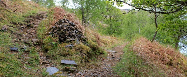 21 cairn at fork in path, Ruth's coastal walk, Loch Moidart