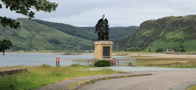 41 war memorial, Glenelg, Ruth hiking around the Scottish coastline